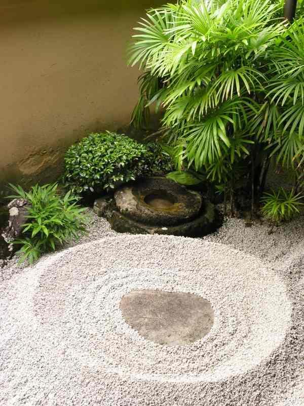 simple small japanese garden